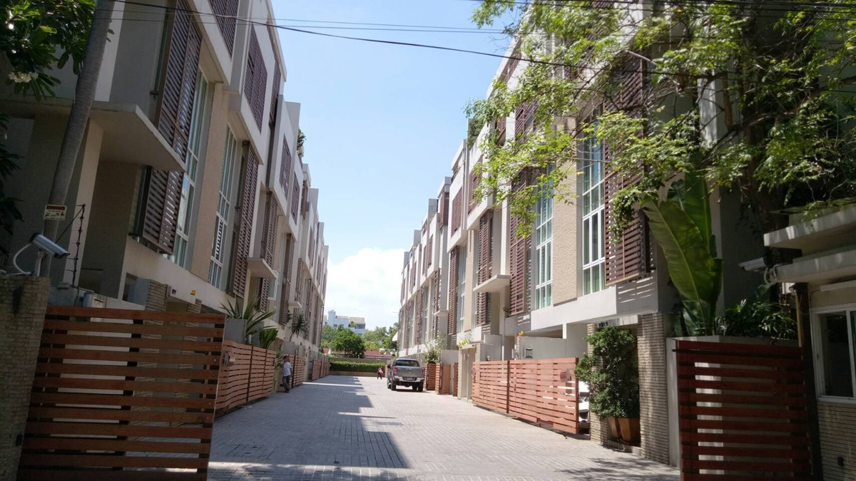 Park Lane Ekkamai 12-townhouse-rent-Bangkok-7892 (2)