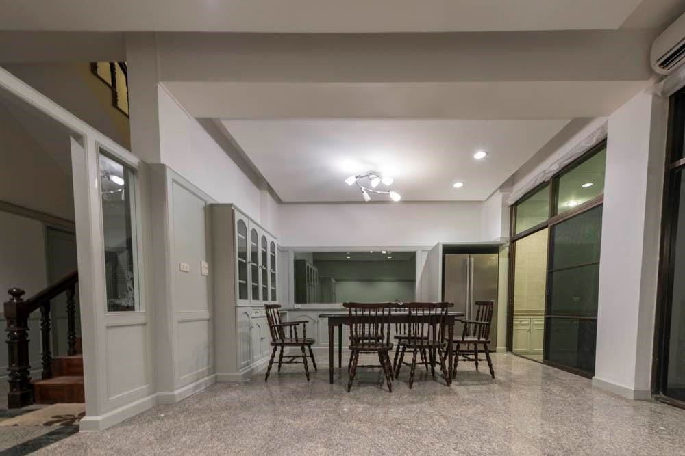 Town house in Thonglor 8 For Rent - Town House - Thong Lo -
