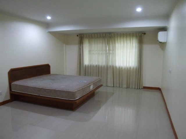 Townhouse for sale at North Pattaya - Town House - Pattaya North - Pattaya North