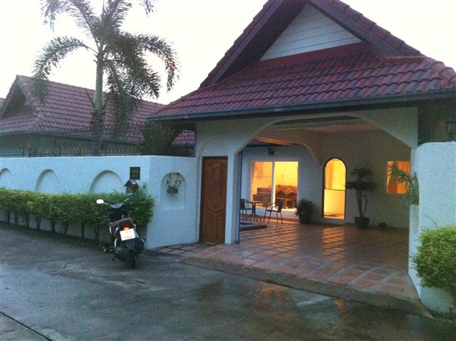 Nirvana Pool Villa 1 - House - Bang Lamung - Nong Hin