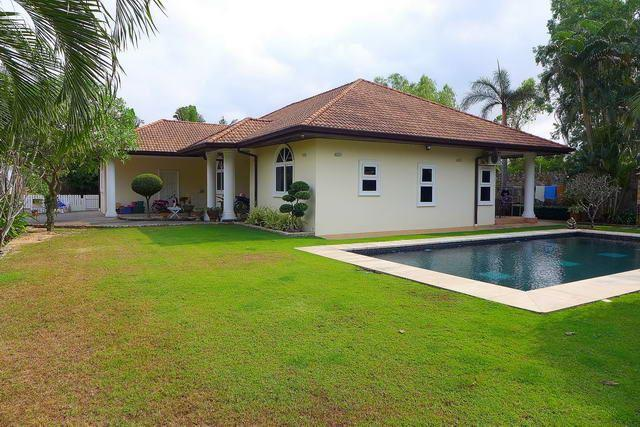 House for sale East Pattaya - House - Pattaya East - Lake Mabprachan